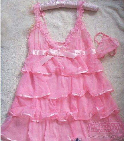 粉色蛋糕裙套装 吊带透视有小花边