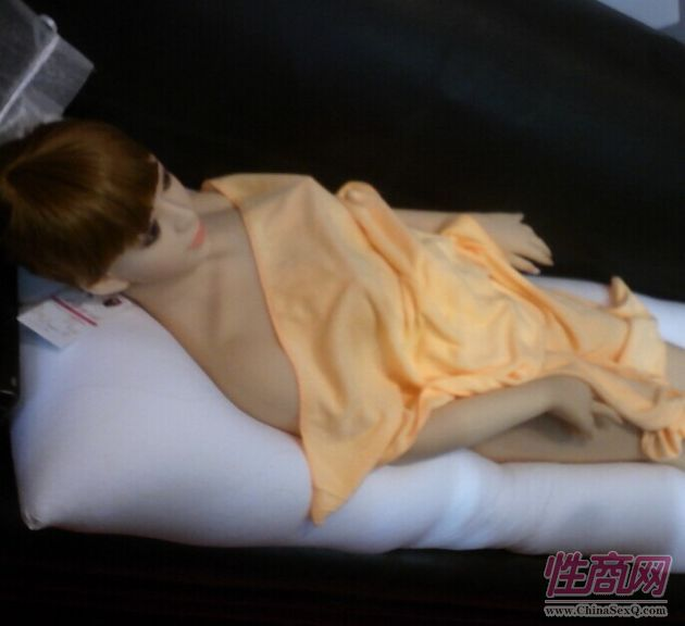 实体硅胶娃娃实战图 日本高仿真硅胶娃娃