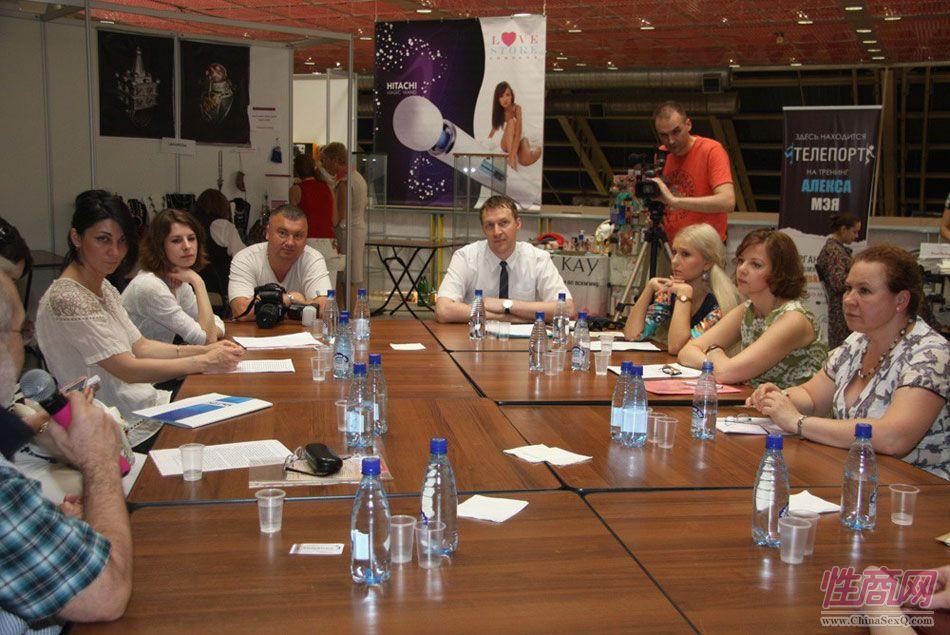 2013俄罗斯成人展艺术沙龙图片11