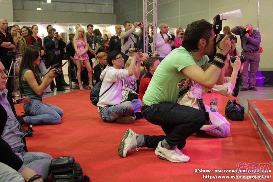 2011俄罗斯成人展香艳舞台图片20