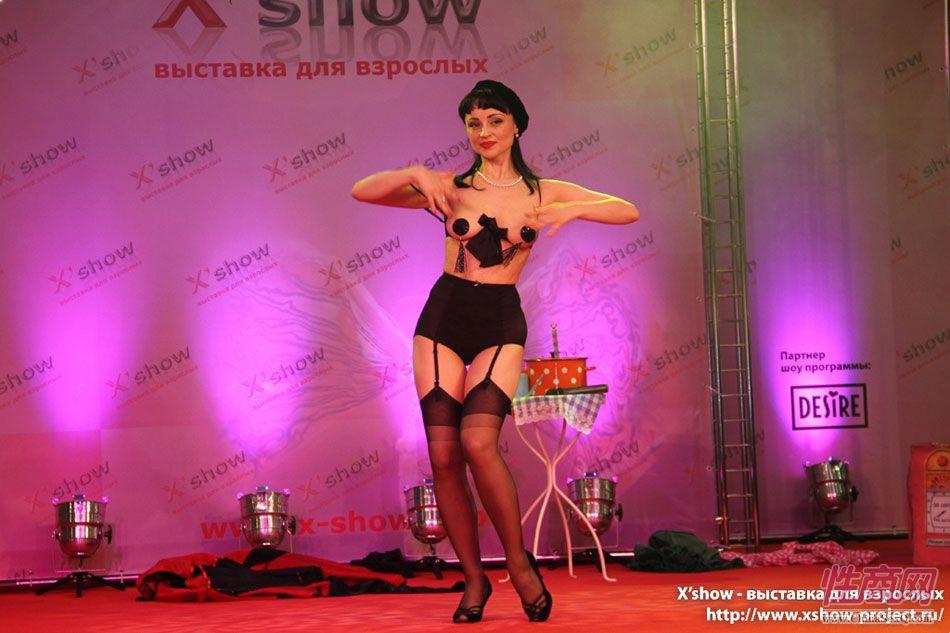 2011俄罗斯成人展香艳舞台图片19