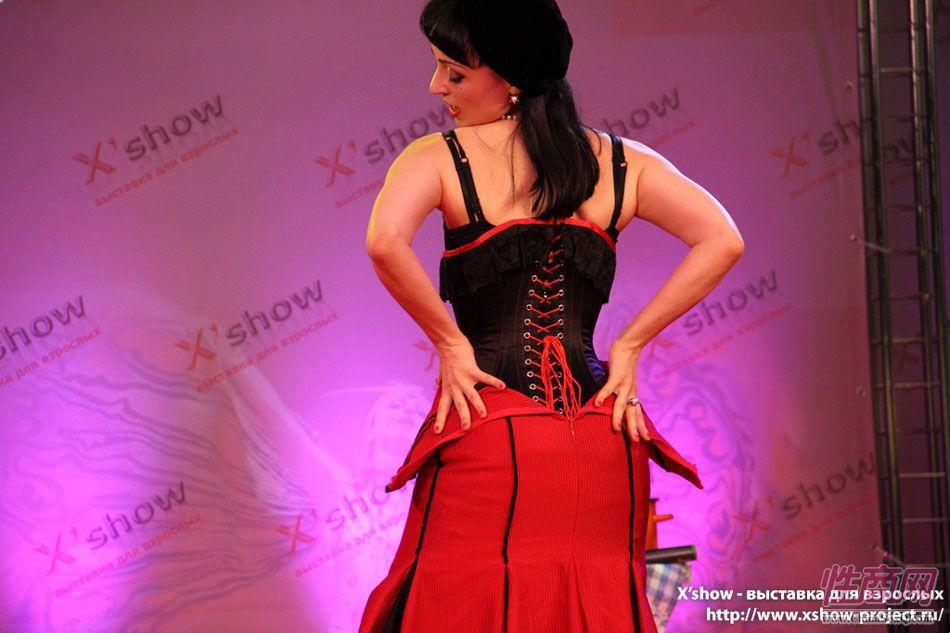 2011俄罗斯成人展香艳舞台图片18