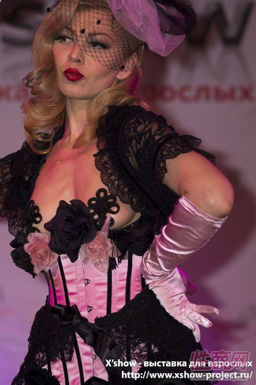 2011俄罗斯成人展香艳舞台图片23