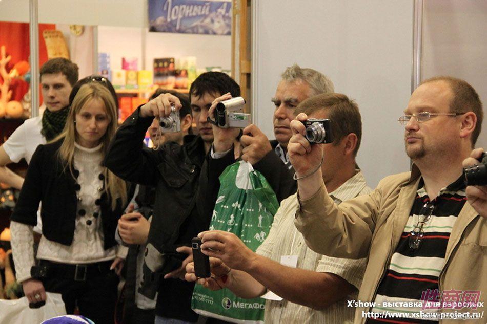 2011俄罗斯成人展香艳舞台图片30