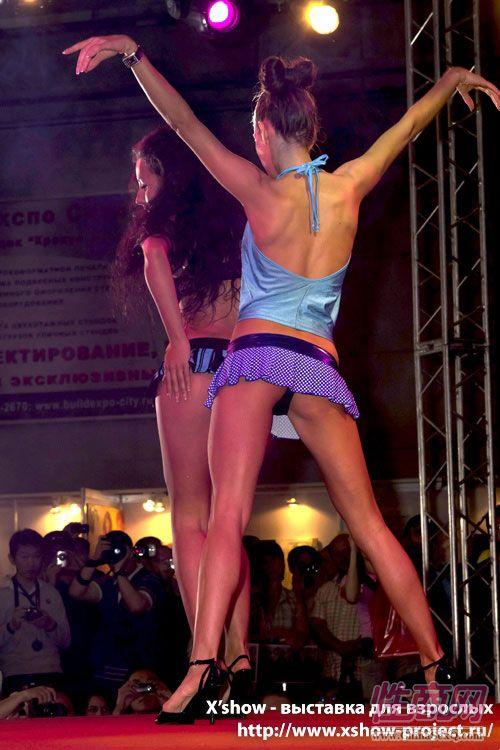 2011俄罗斯成人展香艳舞台图片42