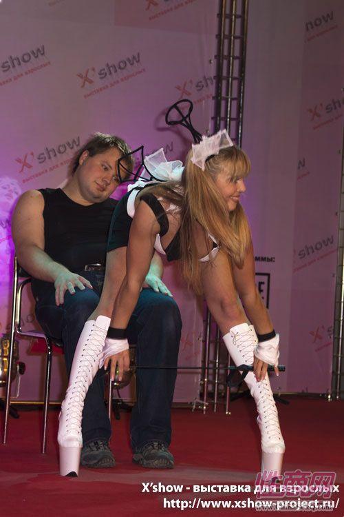 2011俄罗斯成人展香艳舞台图片52