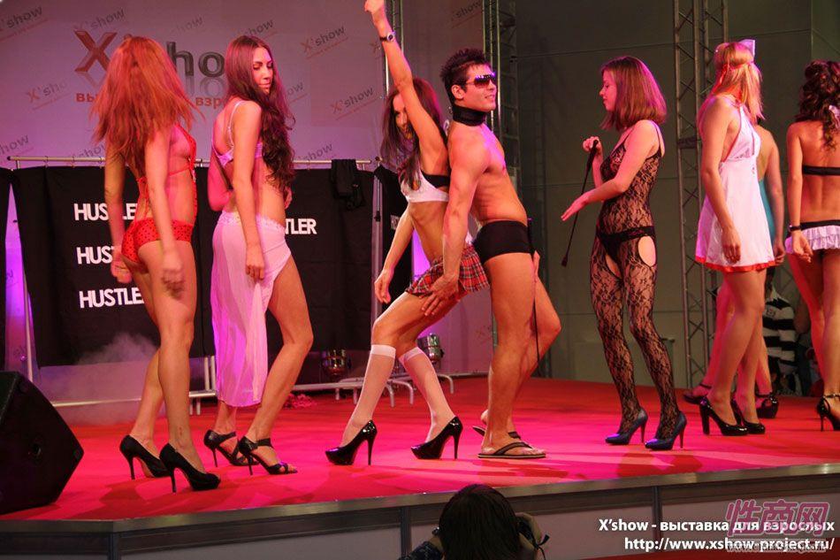 2011俄罗斯成人展香艳舞台图片72