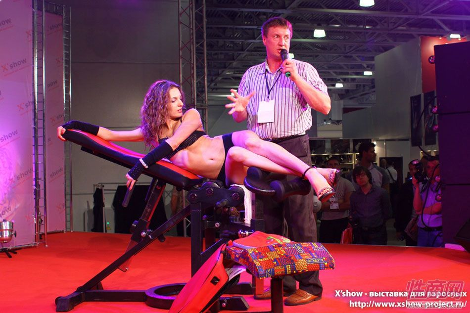 2011俄罗斯成人展香艳舞台图片79