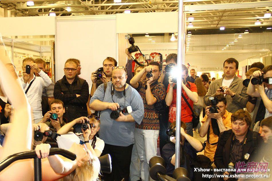2011俄罗斯成人展香艳舞台图片82