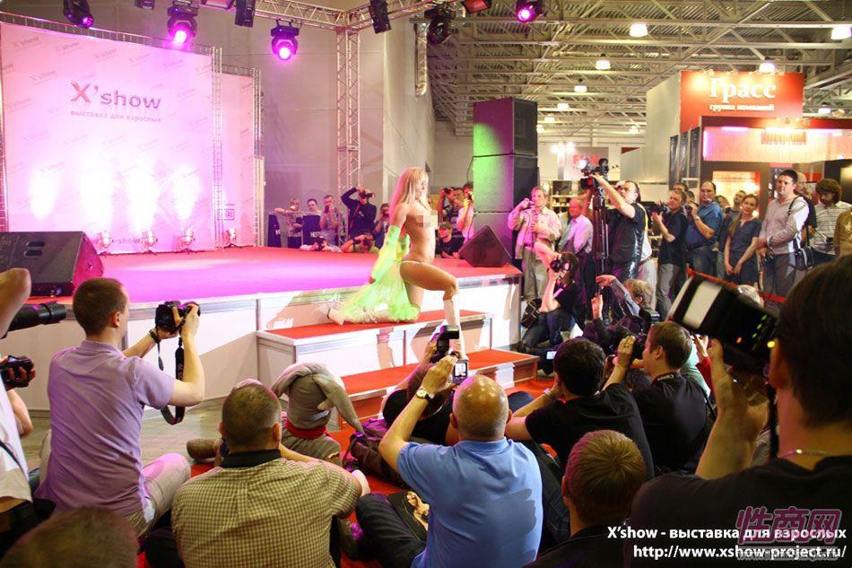 2011俄罗斯成人展香艳舞台图片86