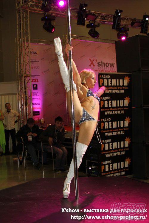 2011俄罗斯成人展钢管舞蹈图片3