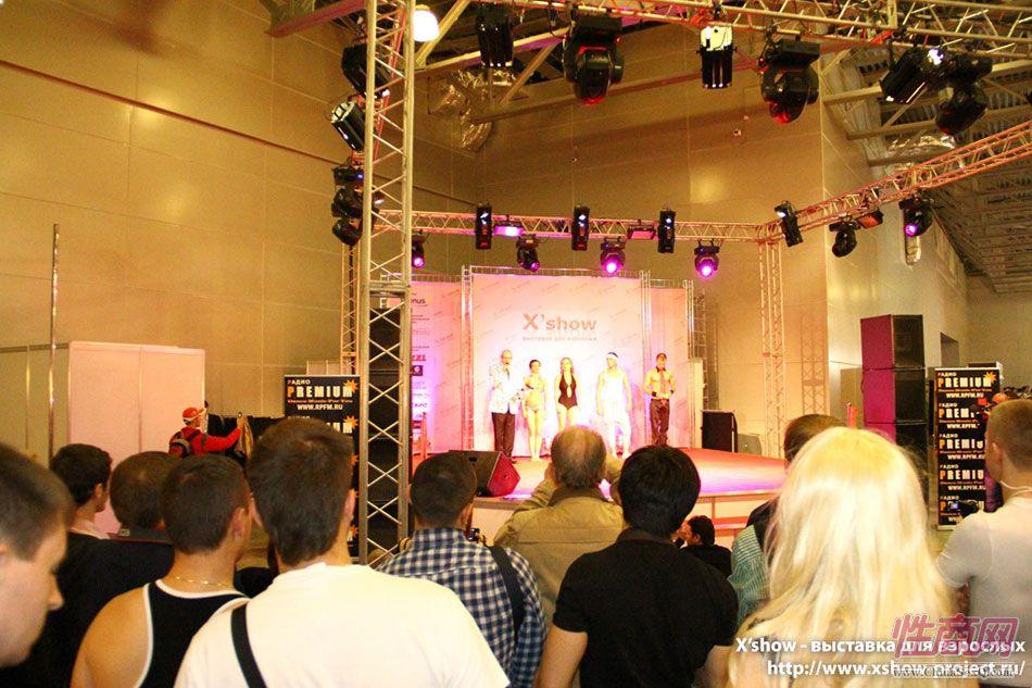 2011俄罗斯成人展钢管舞蹈图片8