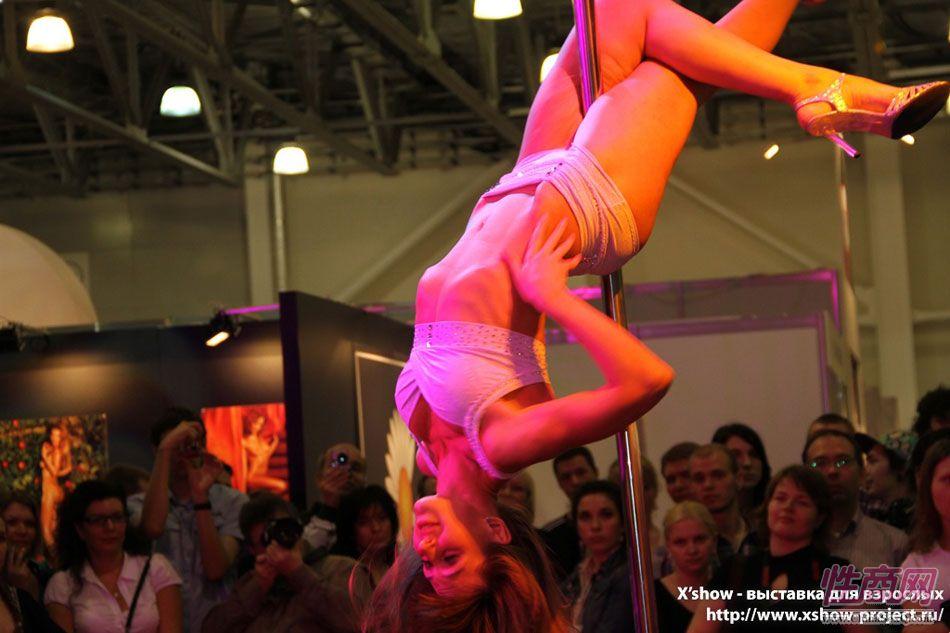 2011俄罗斯成人展钢管舞蹈图片27