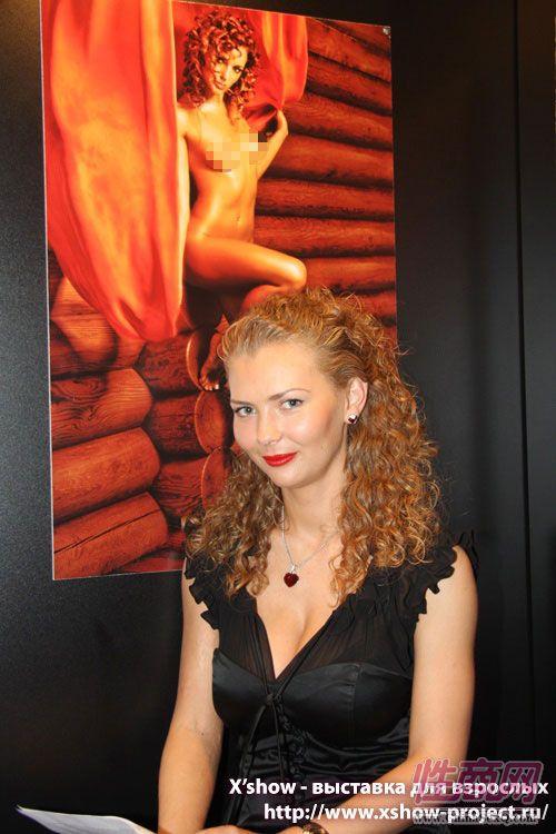 2011俄罗斯成人展模特靓影图片2