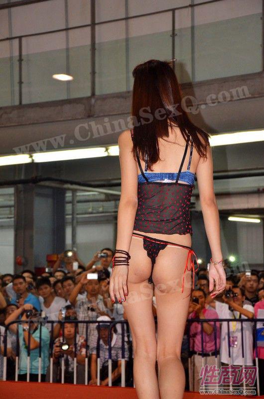 2012广州性文化节情趣内衣秀高清大图图片9