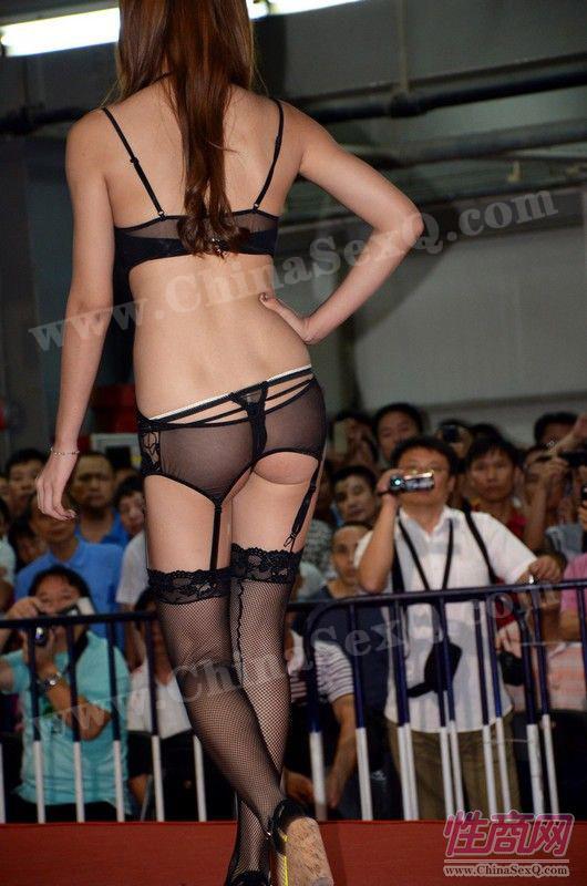 2012广州性文化节情趣内衣秀高清大图图片13
