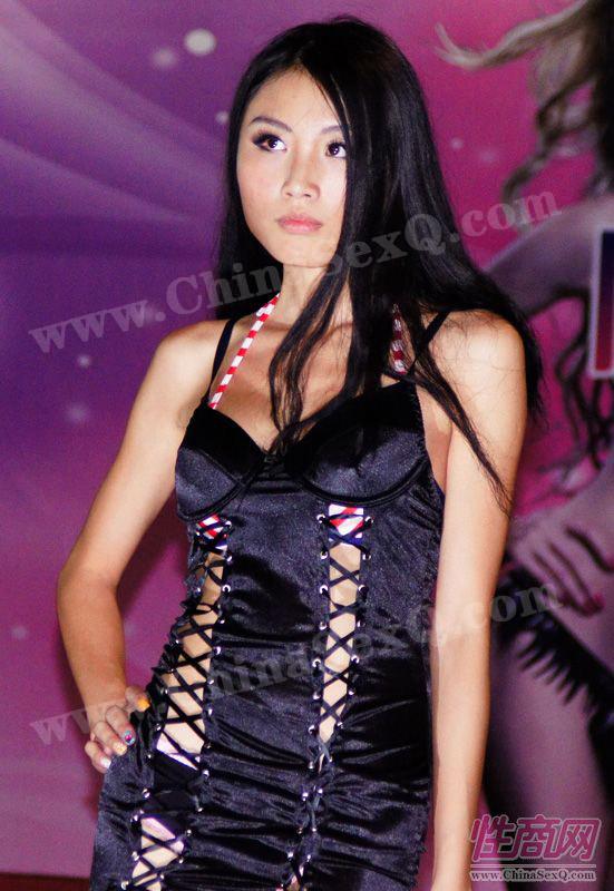 2012广州性文化节情趣内衣秀高清大图图片28