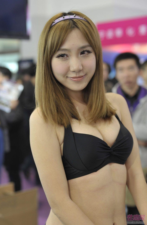 性感的内衣模特