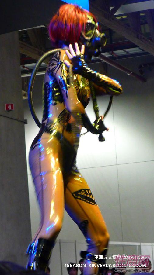 2009亚洲成人博览日本Libido钢管舞表演图片17