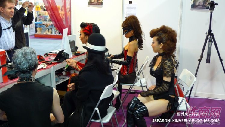 2009亚洲成人博览日本Libido钢管舞表演图片20