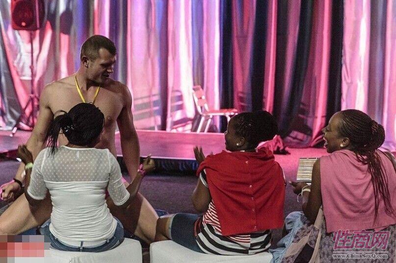 成人博览中的黑珍珠2014南非成人展Sexpo图片5