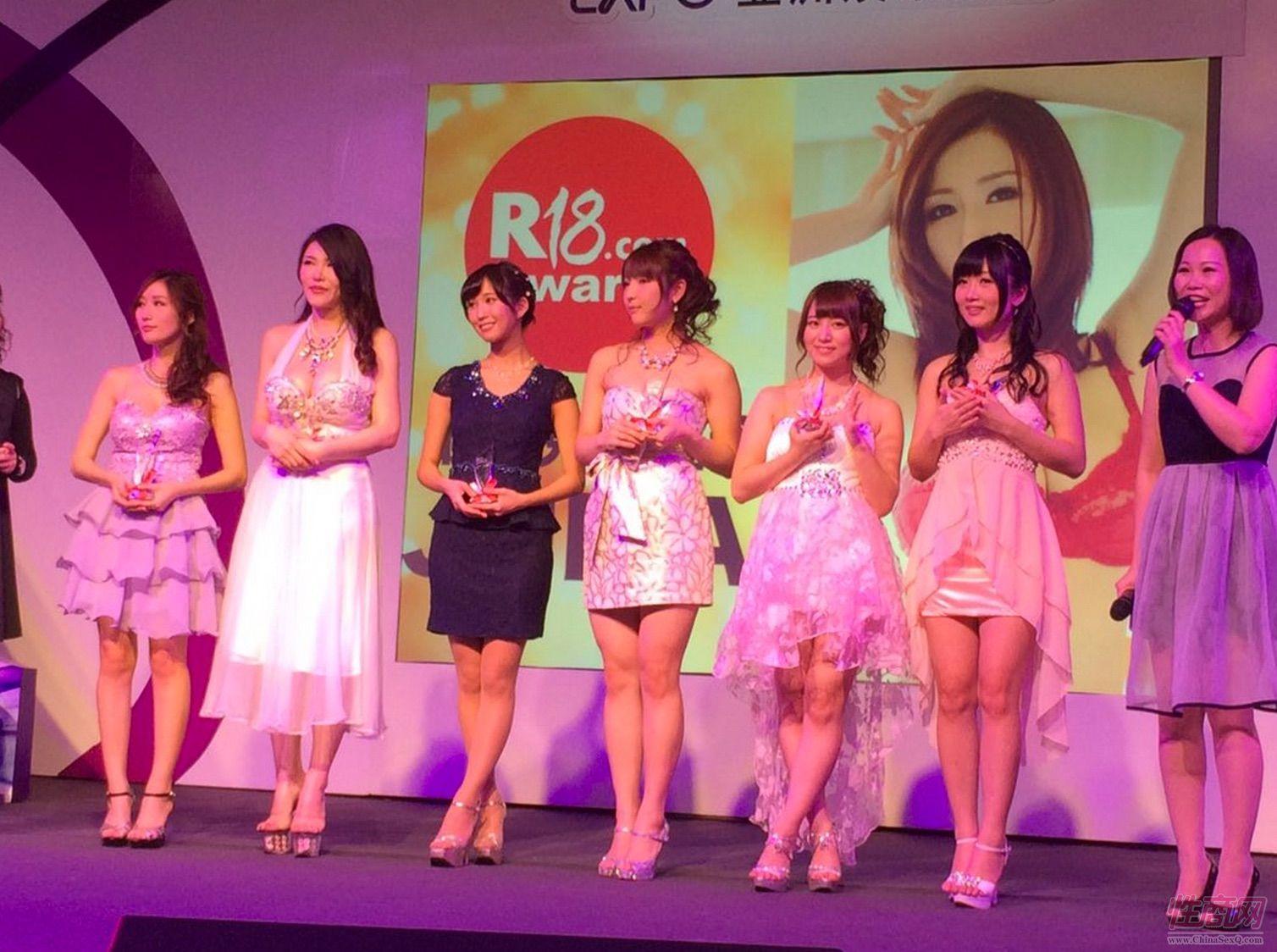 2015亚洲娱乐博览(澳门)女优组团助阵图片62