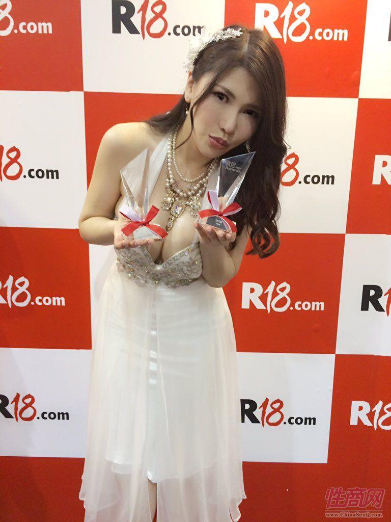 2015亚洲娱乐博览(澳门)女优组团助阵图片67