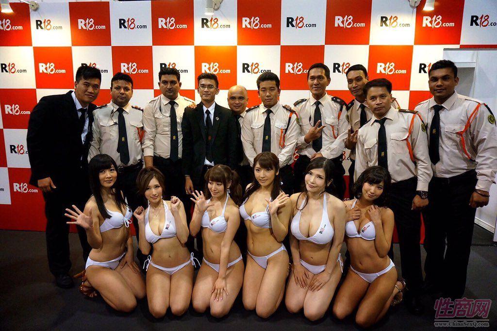 2015亚洲娱乐博览(澳门)女优组团助阵图片43