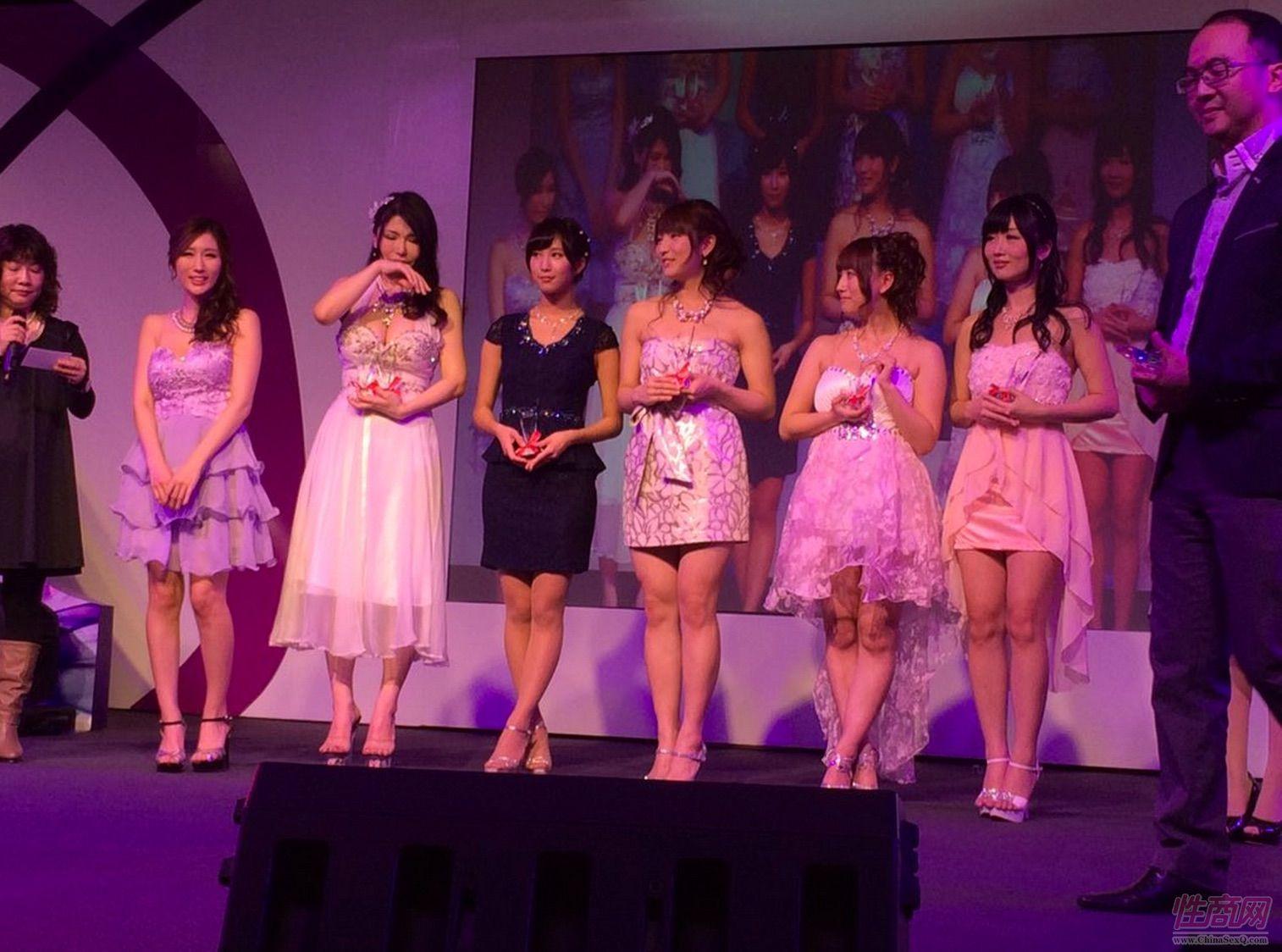 2015亚洲娱乐博览(澳门)女优组团助阵图片58