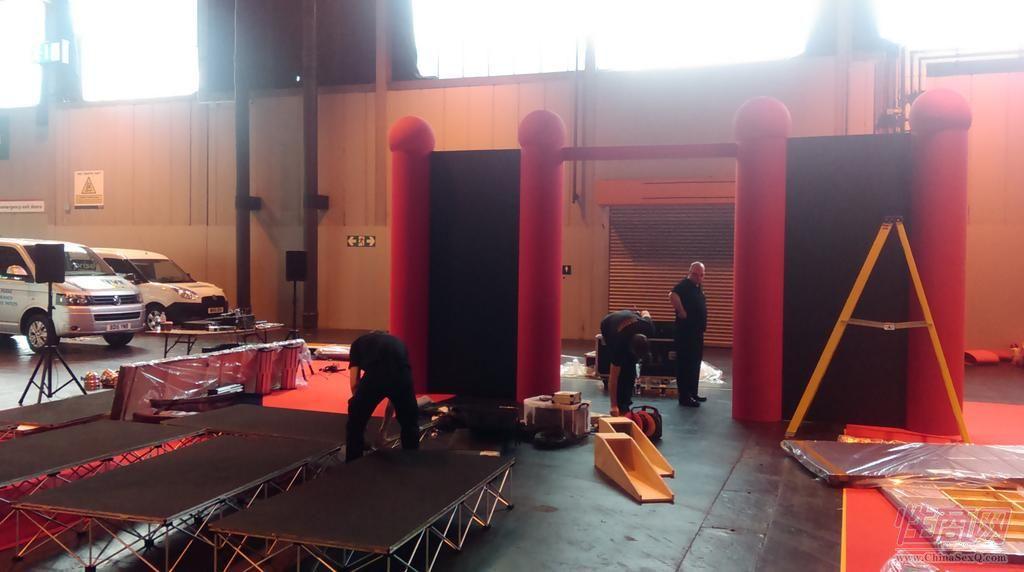 2015英国成人展(ETOShow)展前布置准备图片8