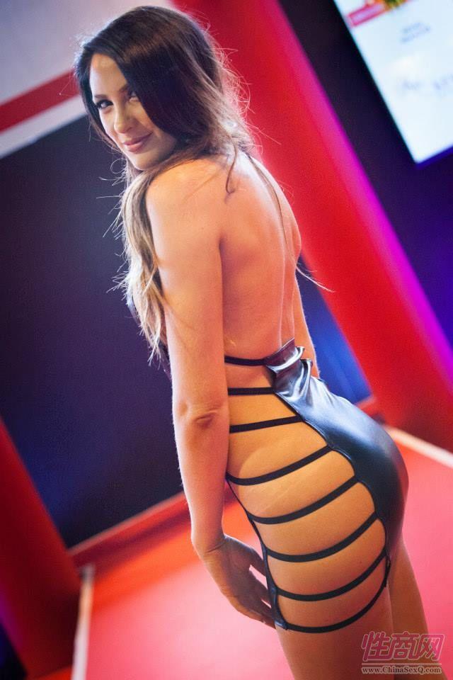 2015英国成人展(ETOShow)情趣内衣表演图片8