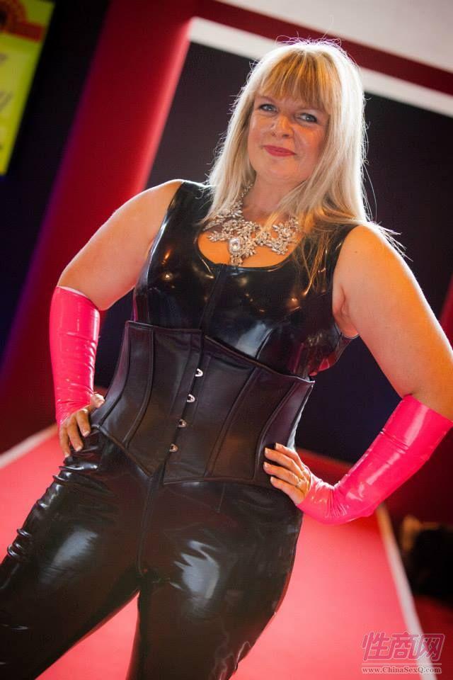 2015英国成人展(ETOShow)情趣内衣表演图片42