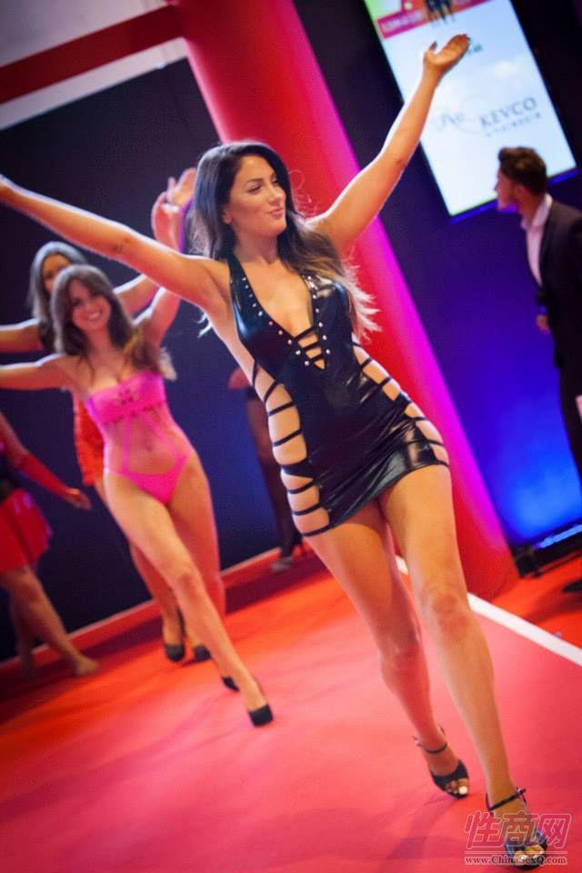 2015英国成人展(ETOShow)情趣内衣表演图片65