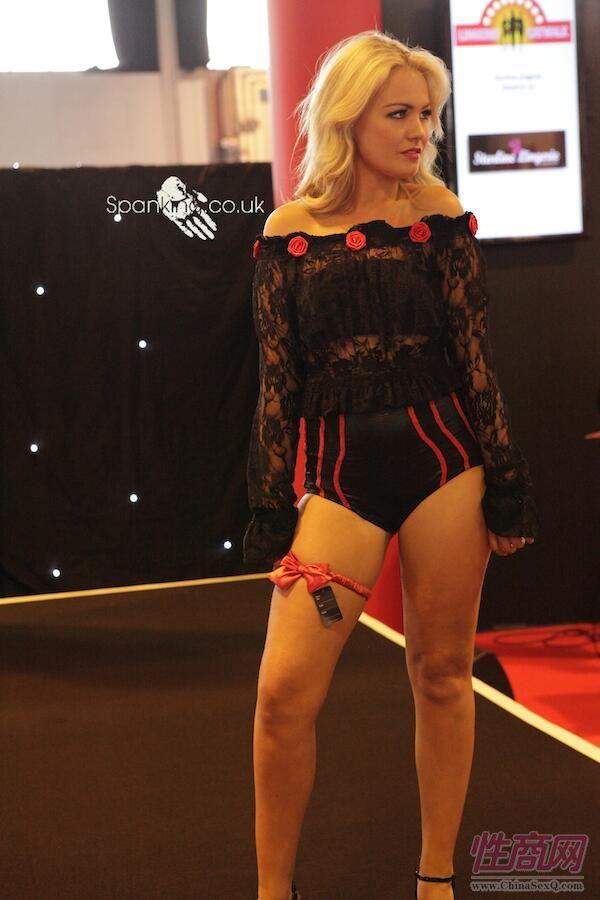 2015英国成人展(ETOShow)情趣内衣表演图片80