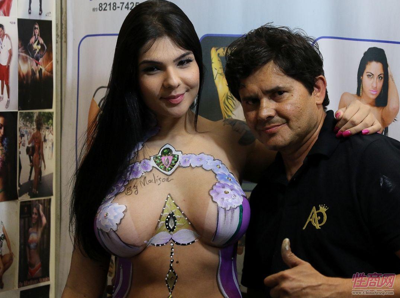 2016年巴西成人展现场报道――人体彩绘图片17