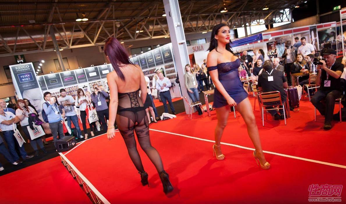2016英国成人展ETOSHOW报道―情趣内衣秀图片44