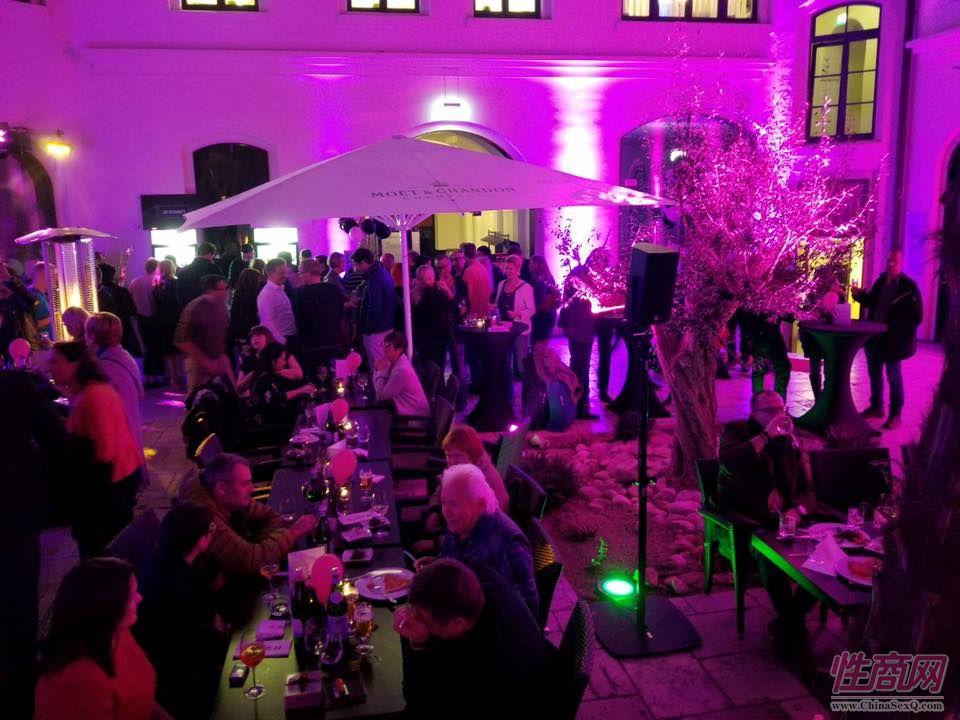 2017德国汉诺威成人展同期举办啤酒节图片8