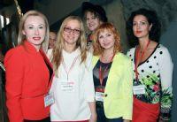 俄罗斯到哪都是女性居多