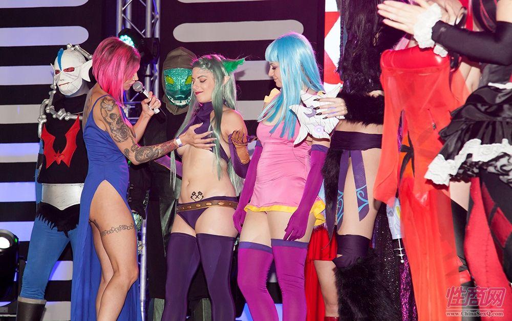 2017南非成人展Cosplay大赛上演群魔乱舞图片2