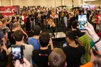 2013美国劳德代尔成人展eXXXotica观众多图片1