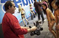 2011美国芝加哥成人展eXXXotica参展观众图片10
