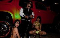 2011美国新泽西成人展eXXXotica香车美女图片17