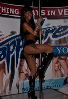 2011美国新泽西成人展eXXXotica舞台表演图片3