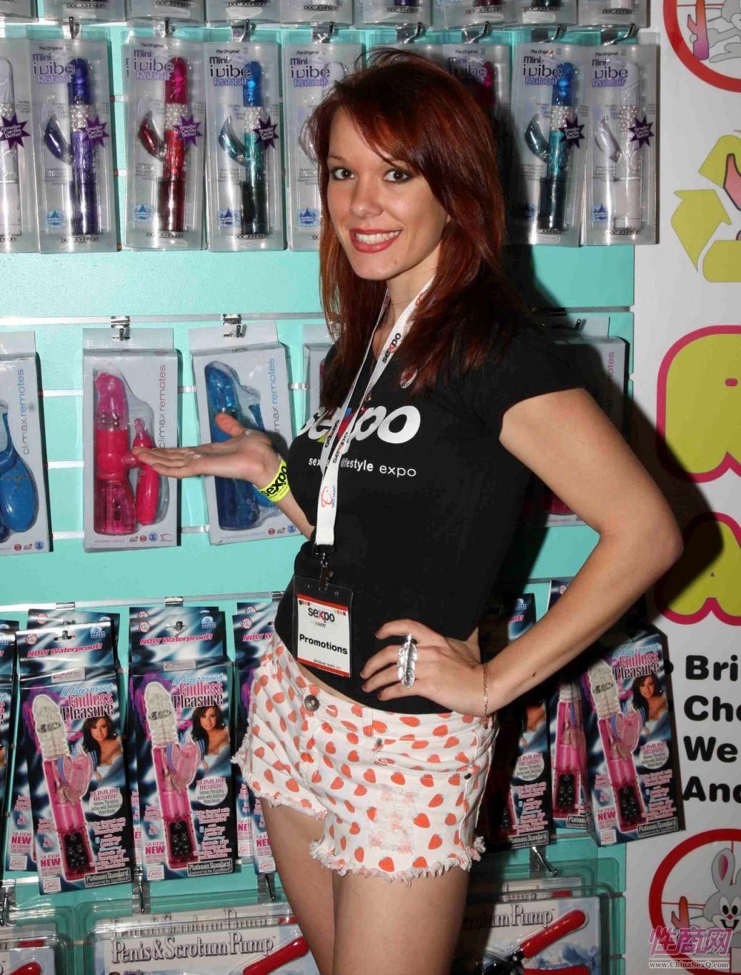 2011澳大利亚布里斯班成人展性感模特图片1