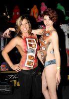 2011澳大利亚布里斯班成人展性感模特图片4