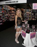 2011澳大利亚布里斯班成人展性感模特图片16