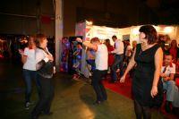 2014俄罗斯成人展嘉宾载歌载舞兴致高涨图片5