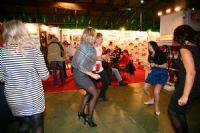 2014俄罗斯成人展嘉宾载歌载舞兴致高涨图片10