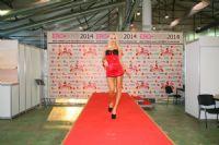 2014俄罗斯成人展高挑内衣模特诠释性感图片8