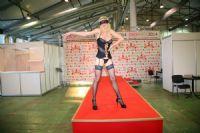 2014俄罗斯成人展高挑内衣模特诠释性感图片15